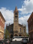 Die katholische Kirche St. Peter und Paul auf dem Bassinplatz