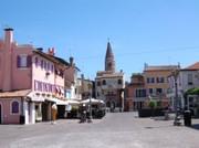 am Piazza Papa Giovanni