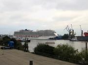 Grösstes Kreuzfahrtschiff im Hafen Hamburgs